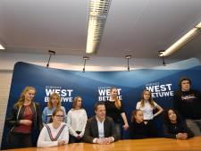 Jongeren West Betuwe bouwen zelf hun 'Honk op Wielen'