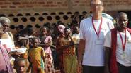 """Pater opnieuw beschuldigd van seksueel misbruik in Afrika: """"Wéér kinderen de vernieling ingeduwd"""""""