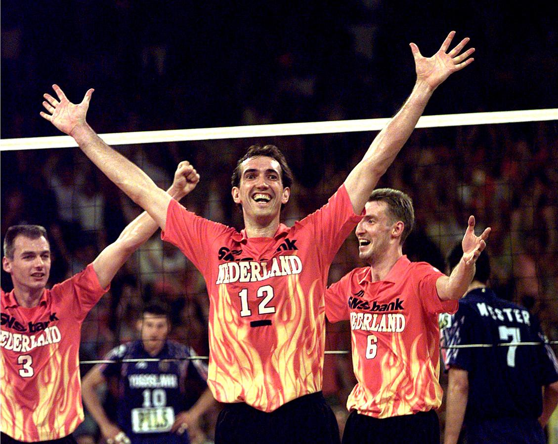 EK volleybal in 1997, waar Nederland Europees kampioen werd. vlnr: Henk Jan Held, Peter Blange, Richard Schuil.