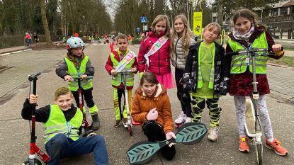 """Leerlingen in fluo palmen straat in: """"Meer aandacht voor verkeersveiligheid"""""""