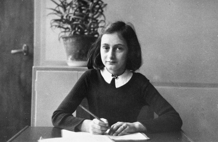 Satirisch studentenblad bewerkt foto tot 'sexy' Anne Frank