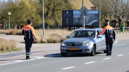 Politie Knokke zet in op alcoholcontroles aan de grens na heropening horeca in Nederland en trekt meteen eerste rijbewijs in
