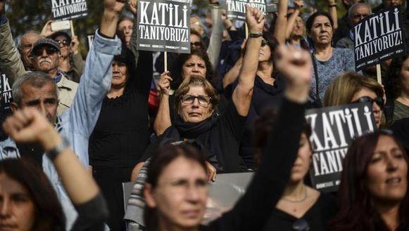 De herdenking zaterdag van de bloedige aanslag in Ankara.