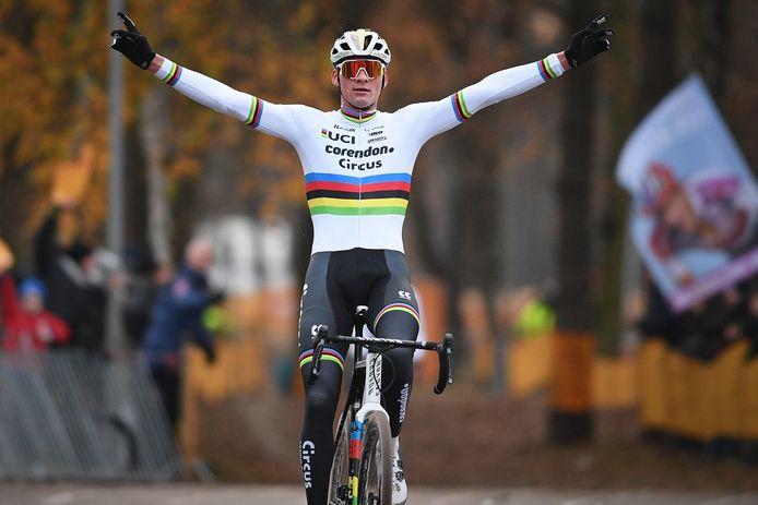 In december 2019 won wereldkampioen Mathieu van der Poel de vorige Zilvermeercross. Hij start komende zaterdag niet, zijn broer David wel.