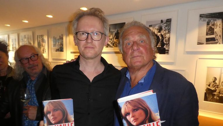 Schrijvers David Van Reybrouck en Jan Cremer. Van Reybrouck: 'Ik sta hier met de grote Jan Cremer, dames en heren' Beeld Hans van der Beek
