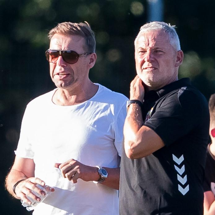 GA Eagles coach Jack de Gier (r) met technisch manager Paul Bosvelt (l)