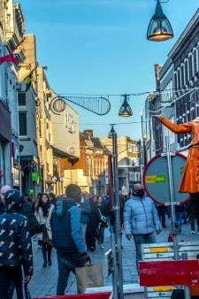 Topdrukte in de winkels; Brabantse steden kunnen het aan, op Eindhoven na