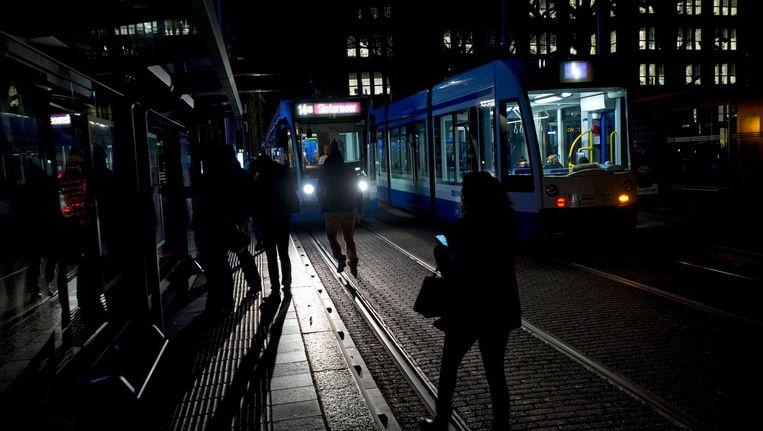 In januari zaten 360.000 mensen in en rond Amsterdam zonder stroom Beeld anp