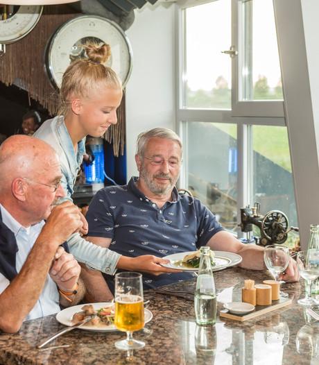 Restjes bij de hoofdgerechten in Oud-Vossemeer