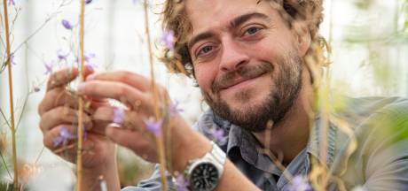 Nils van Rooijen zoekt bij het Levend Archief in Nijmegen witte neushoorns
