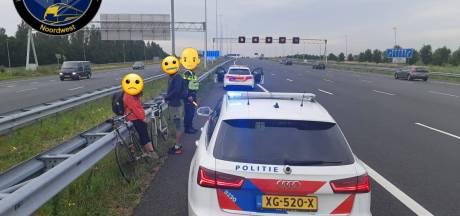 Internationale studenten op de fiets van A2 geplukt: wilden naar Ikea voor een hotdog
