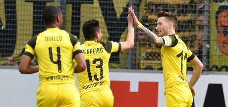 Reus leidt Dortmund naar zege en houdt titelstrijd spannend
