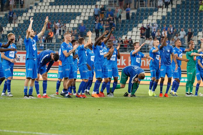 De spelers van AA Gent vieren feest.