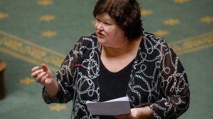 Maggie De Block en de 'drie bubbels': mocht de minister én haar moeder én haar dochter zien?
