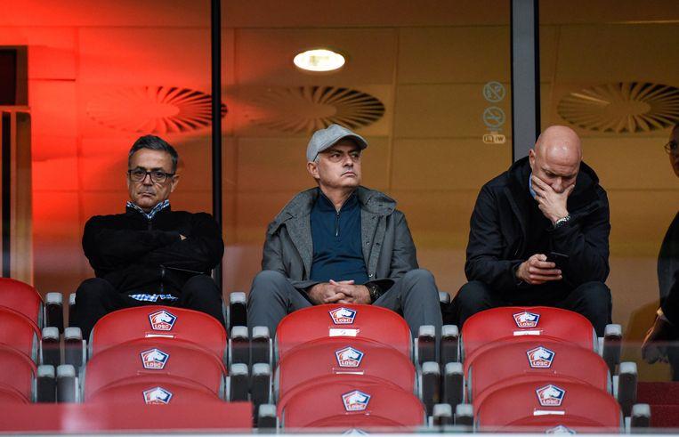 Mourinho (centraal) was vorig weekend aandachtig toeschouwer bij Lille-Nimes.