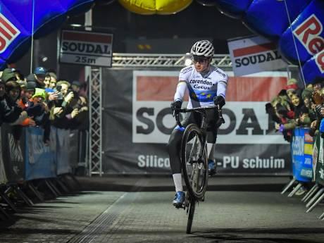 Van der Poel wint opnieuw en breekt record Nys