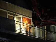 Zes woningen ontruimd na brand in Vlaardingse flatwoning