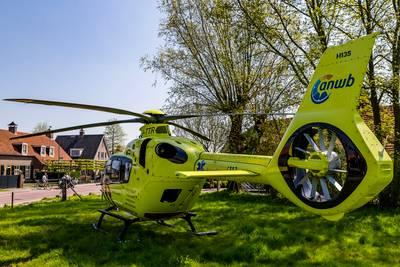 Pasgeboren baby in nood: traumahelikopter landt in woonwijk Dorst