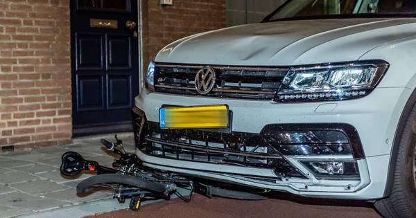 Fietser gewond na aanrijding door automobilist in Tilburg.