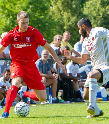 Ook Jari Oosterwijk per direct weg bij FC Twente