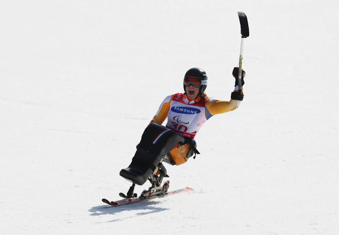 Linda van Impelen uit Emst pakt zilver op de reuzenslalom tijdens de Paralympics in Zuid-Korea.