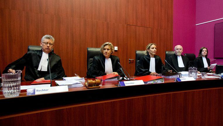 (VLNR) Rechter heer S.M. van Lieshout, Voorzitter van de rechtbank mevrouw A. van Holten, Rechter mevrouw F.H. Schormans, Griffier heer E.R. Ruitenbeek en Griffier mevrouw S.J. Verheij-De Vries. Beeld anp