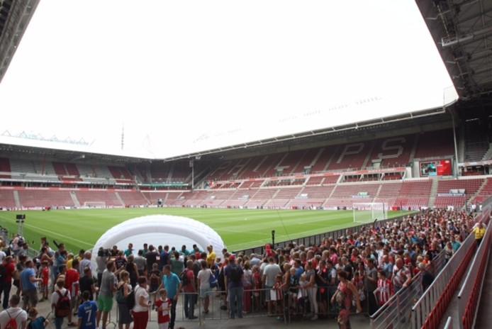 Enorme drukte in stadion