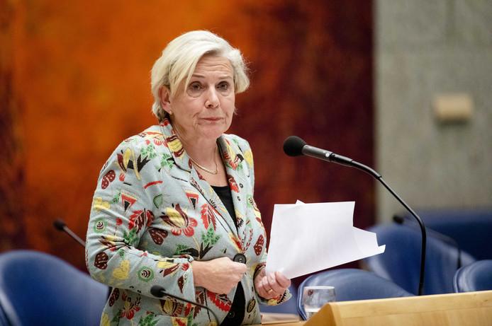 Minister Ank Bijleveld (Defensie) tijdens het debat in de Tweede Kamer over het Nederlands bombardement in Irak, begin november.