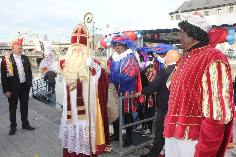 Sint-Maarten kwam met de boot aan in Aalst.