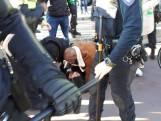 Hevige confrontatie bij Sinterklaasintocht: vier arrestaties