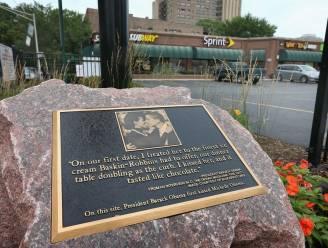 Chicago zet gedenkplaat waar Obama's eerste keer kusten