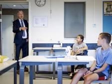 Slob tegen middelbare scholen: Mogelijk 1,5 meterlessen 'in buurthuizen en sporthallen'
