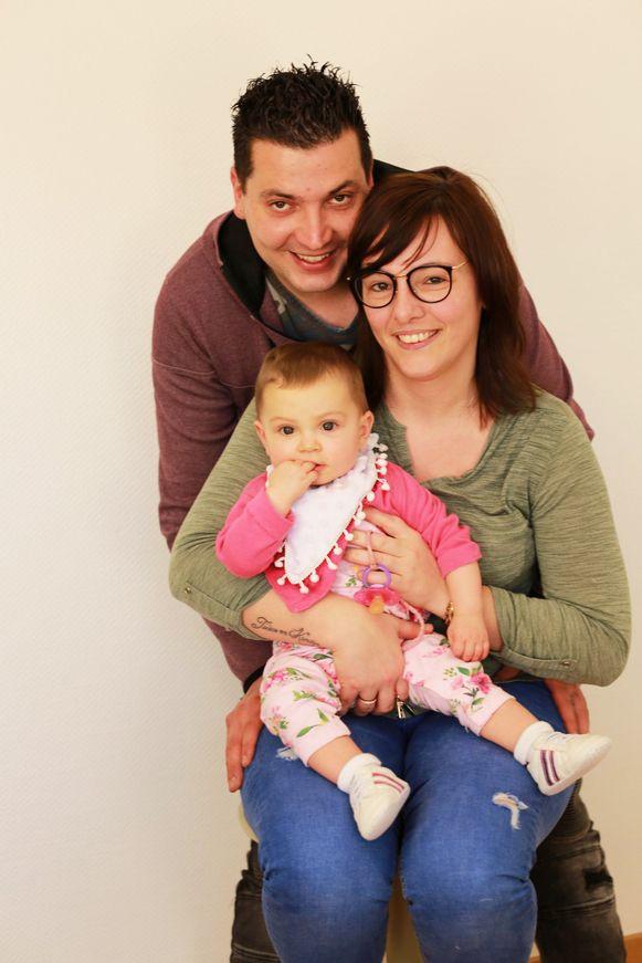 Aily met mama Cincia en papa Tom.
