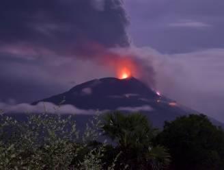 Duizenden mensen op de vlucht na vulkaanuitbarsting in Oost-Indonesië