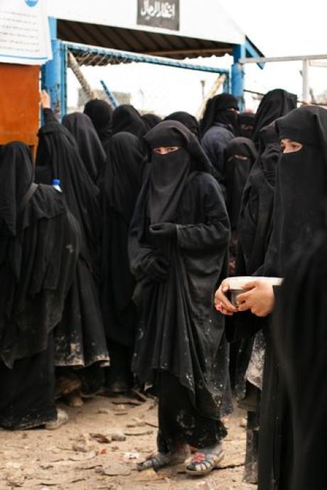 """Sexshops, prostitution, messages explicites: """"Le califat ressemblait à un bordel géant"""""""