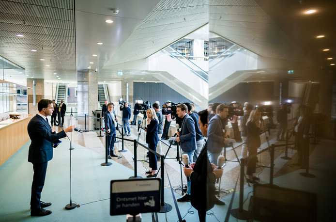 Premier Mark Rutte na afloop van een debat over de ontwikkelingen rondom het coronavirus.