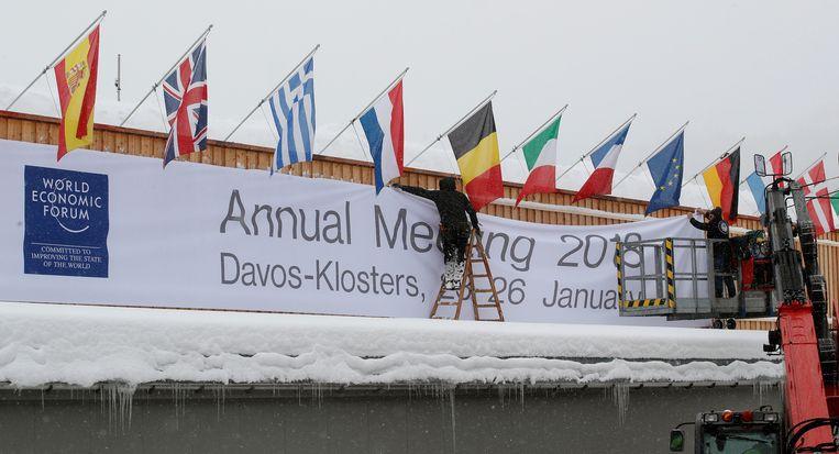 Davos wordt opgetuigd voor de ontvangst van wereldleiders op het World Economic Forum.