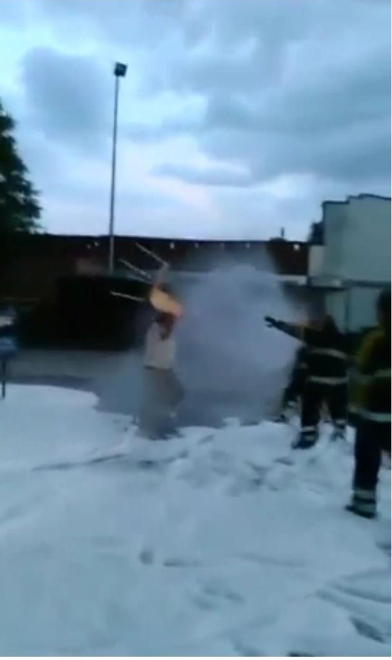 Bert Van Vaerenbergh in het filmpje tijdens de protestactie van de brandweer.