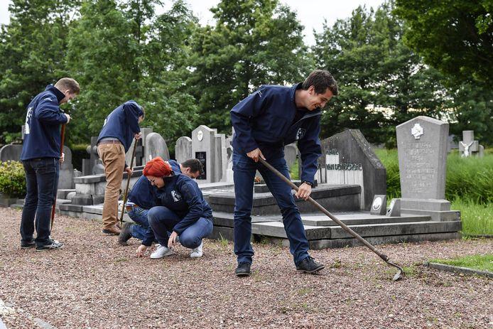 De begraafplaats van Grembergen ligt er kraaknet bij dankzij de vrijwilligers.