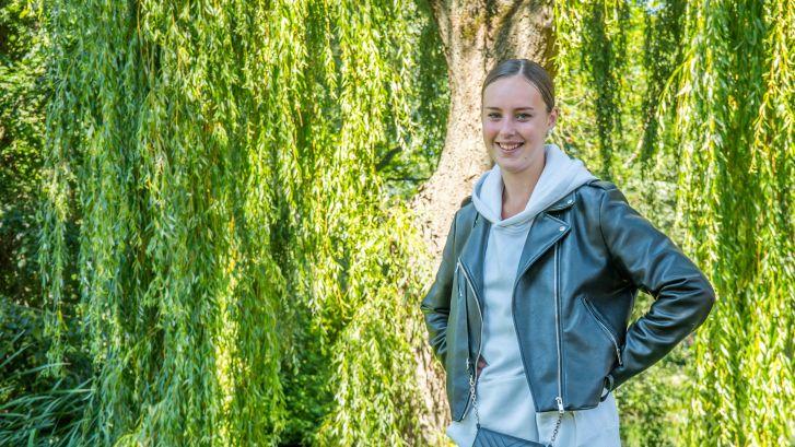 Shalisa (18) laat loverboyverleden achter zich: 'Diploma geeft me dé kans op een normaal leven'