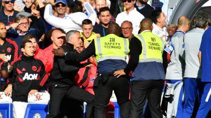 Man. United verspeelt zege diep in toegevoegde tijd tegen Chelsea, Mourinho reageert als door wesp gestoken op provocaties