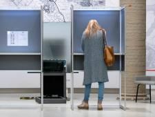 Deel van de Rhedense stembureaus is onbruikbaar door corona; gemeente zoekt naar nieuwe locaties