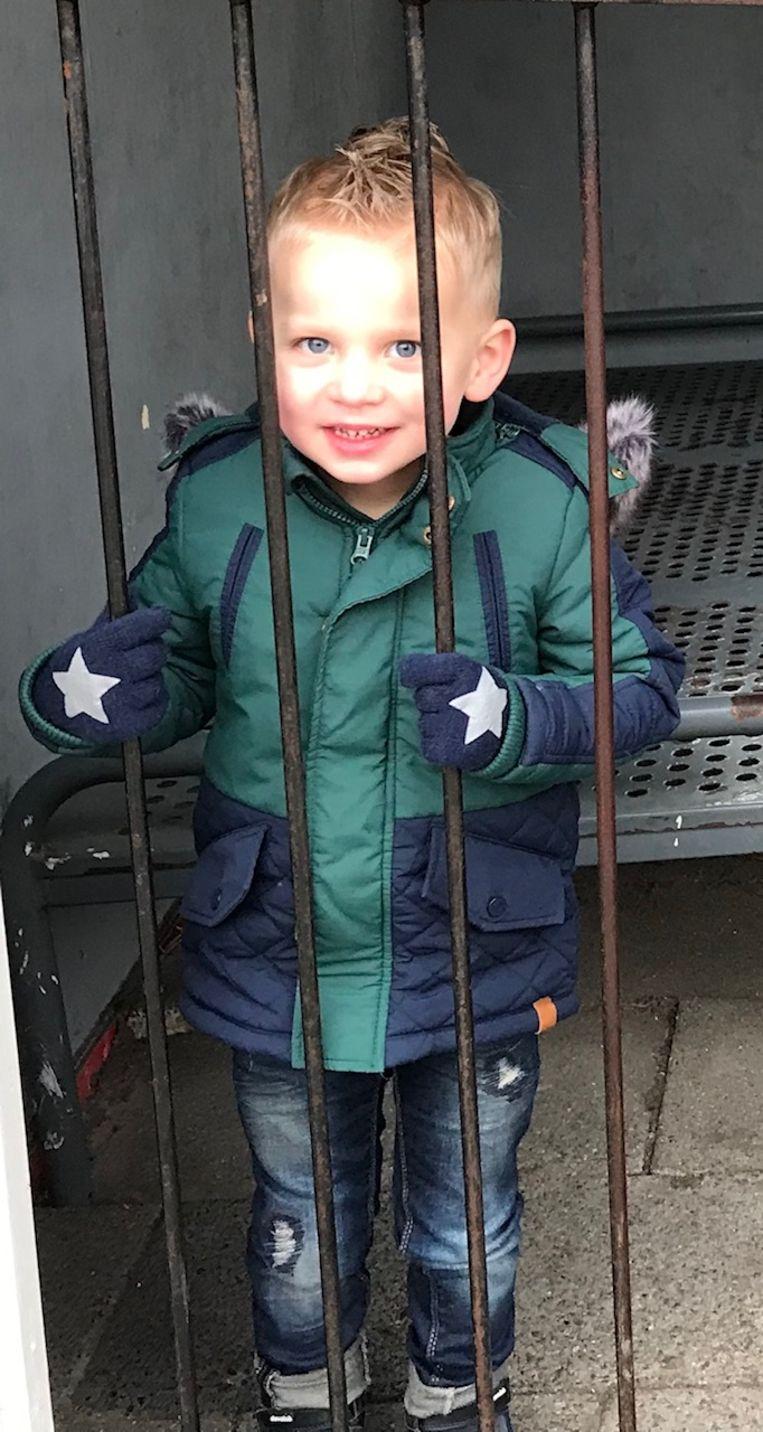 """De 4-jarige Valentijn van den Berg heeft nog geen ervaring met relaties. """"Maar mijn ouders vinden mij een echte hartendief."""""""