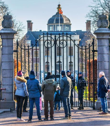 Gluren bij de koninklijke buren: de Oranjes zijn verhuisd