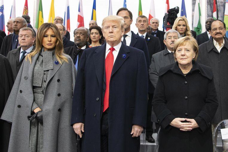 Trump (midden) was dit weekend aanwezig op de herdenkingsplechtigheid in Parijs.