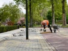 Lantaarnpaal middenin parkeervak in Woerden, maar het komt goed