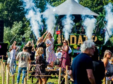 Dansen op het enige festival van het jaar: uit je dak op een paar vierkante meter