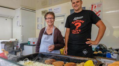 Kleinzoon Yarne redt Hamburger Jeanine