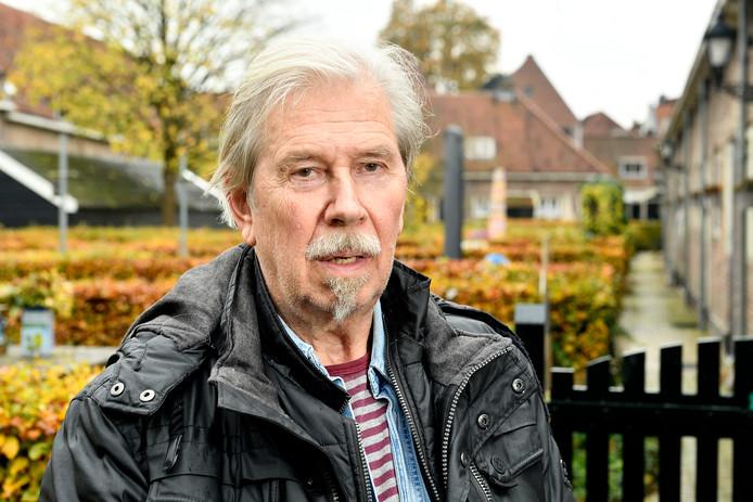 Bert de Bruin, bewoner van De Armen de Poth, houdt er rekening mee dat hij op straat moet gaan leven.