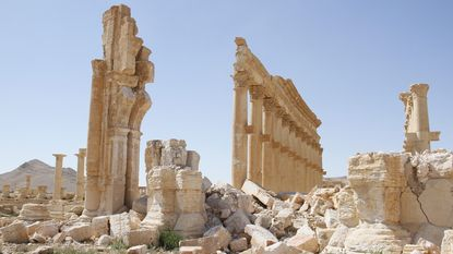 """IS wilde duizenden mijnen laten ontploffen bij Palmyra"""